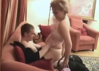 Violent cock-riding by a pudgy mature mommy