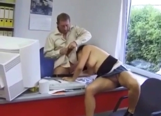 Brunette blows her dad at his work